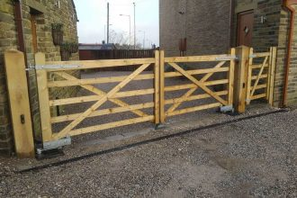 5-Bar-Timber-Gates.-1