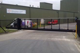 Aluminium-Cantilever-Sliding-Gate.