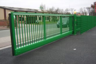 CANTILEVERED-SLIDING-GATE-3