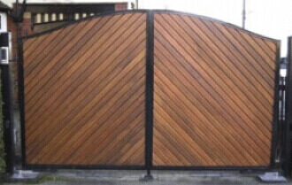 Large Clad Gate